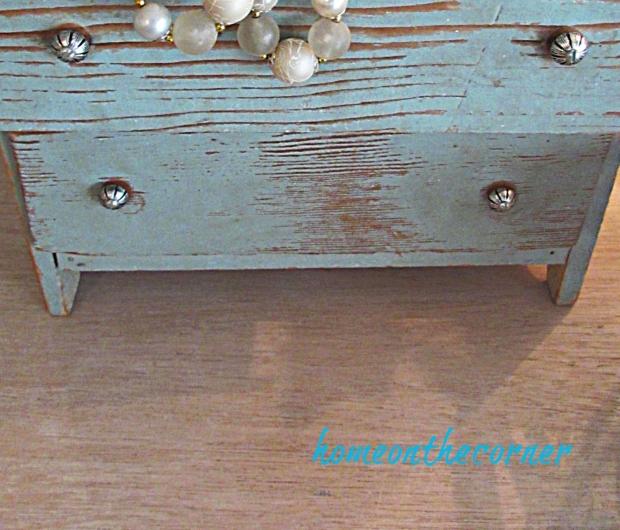 mater bedroom dresser old small drawer set