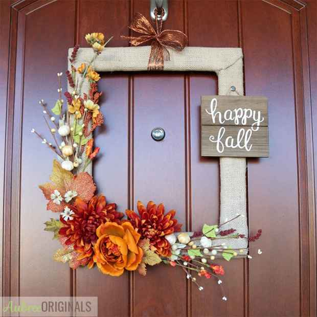 easy-fall-wreath-from-thrifted-picture-frame.jpg