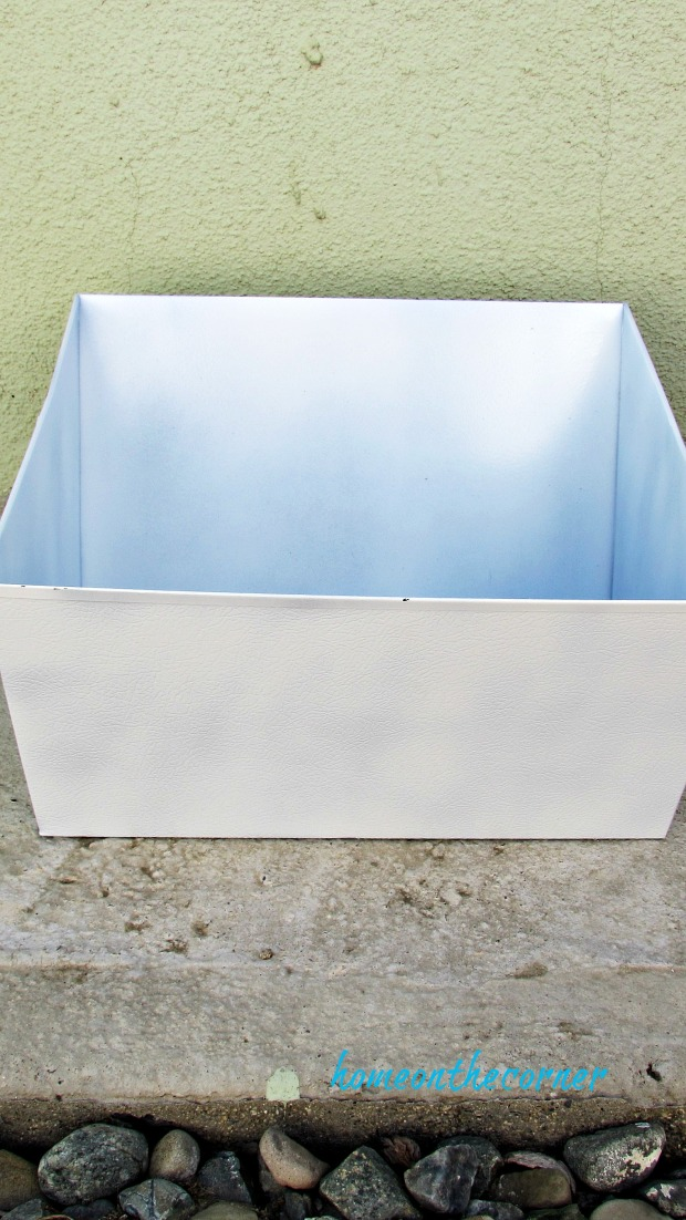 metal box white