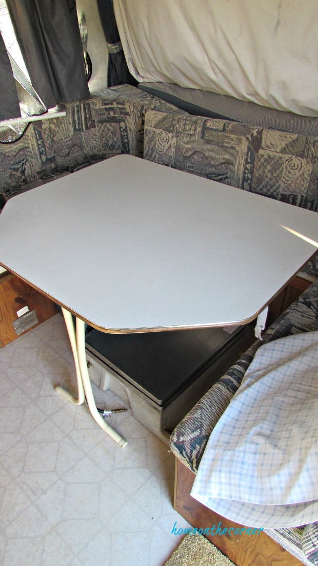 rv makeovere table and benches