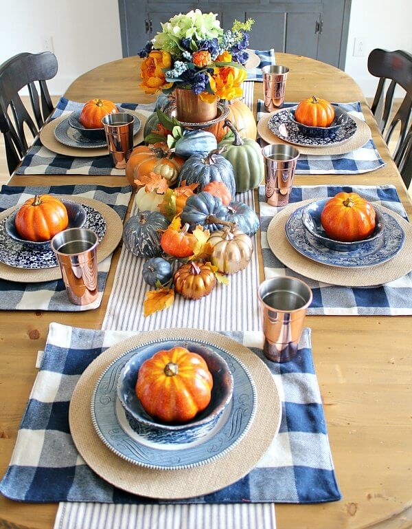 Copper-and-Navy-Fall-Farmhouse-Tablescape.jpg