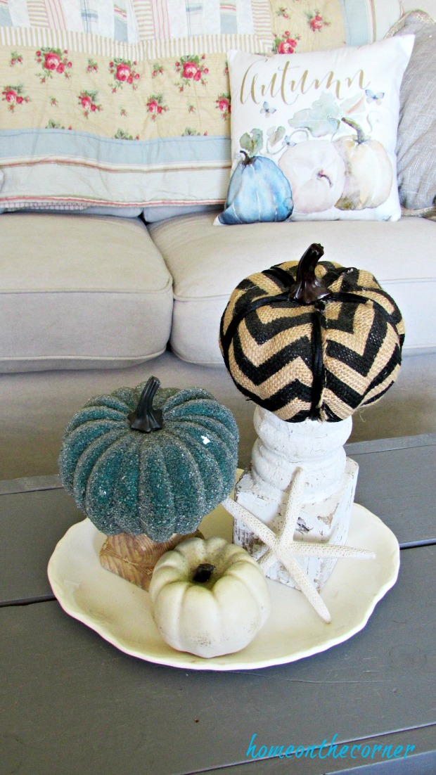 fall living room pumpkins on coffee table