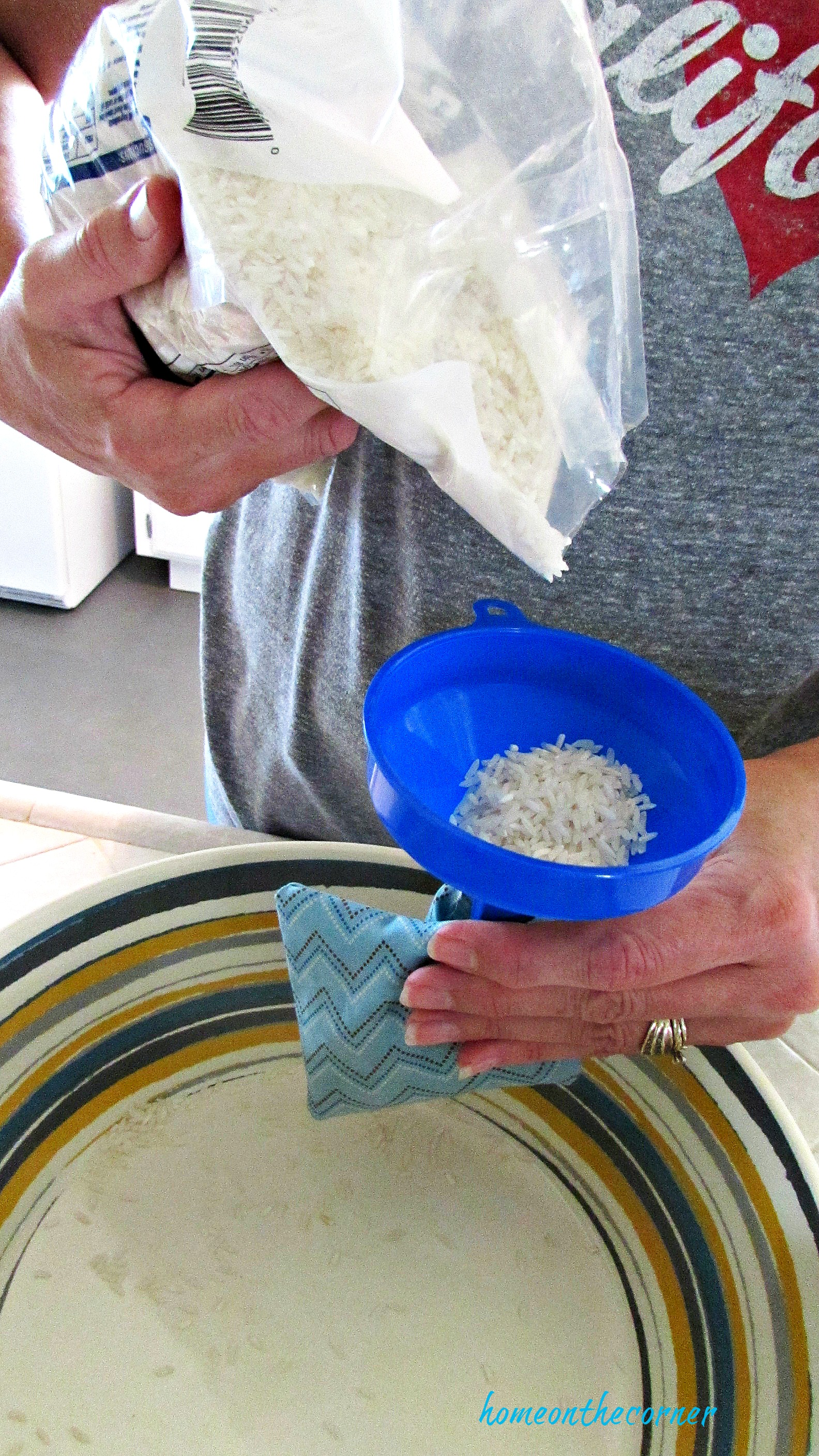 hand warmer filling bag with rice