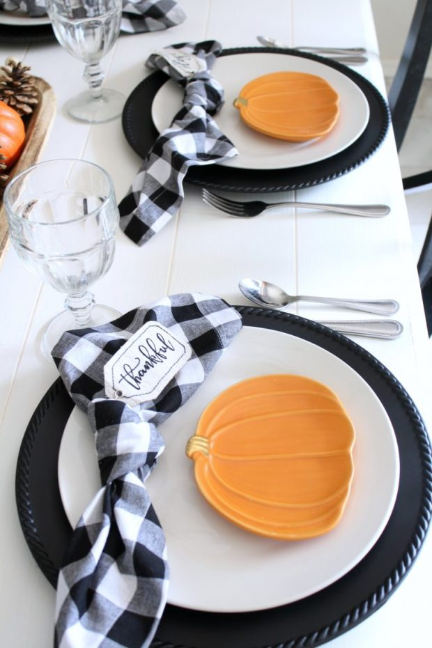 Pumpkin-and-gingahm-place-settings-.jpg