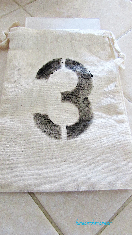 advent calendar linen bag number 3