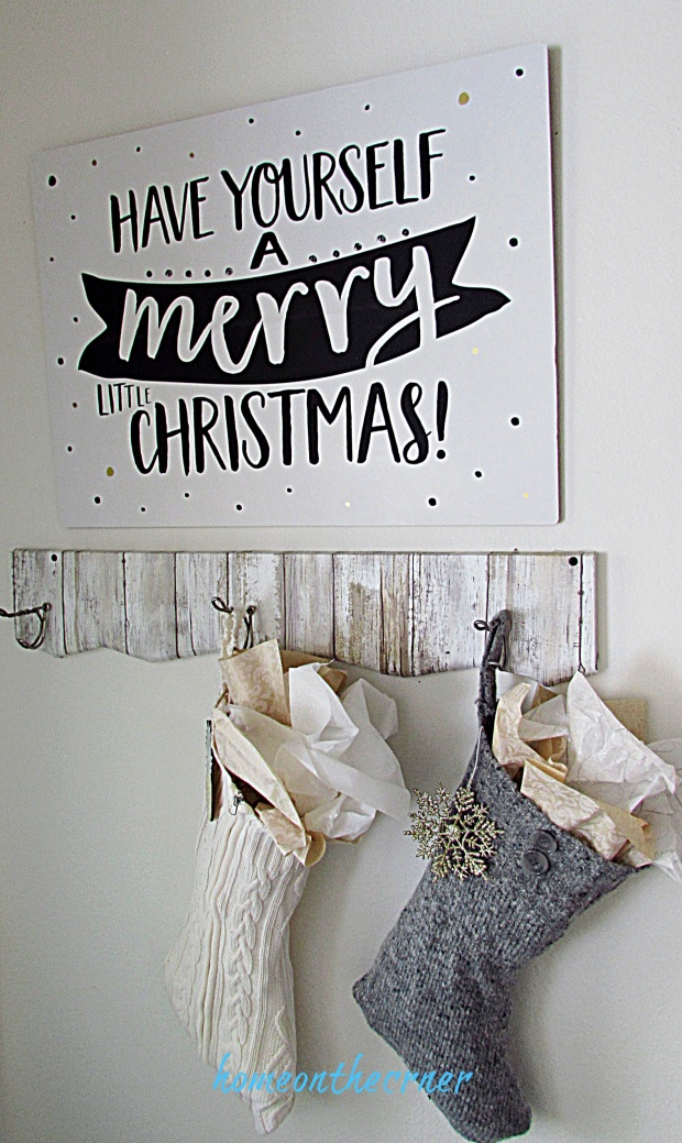 CHristmas entryway Merry Christmas sign
