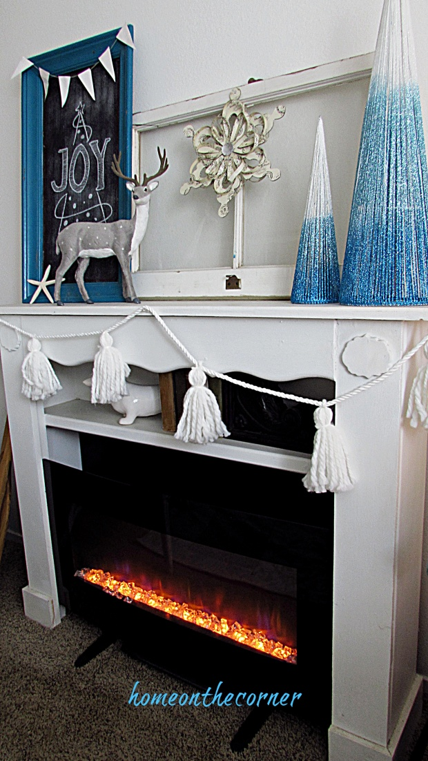 christmas living room fireplace and mantle