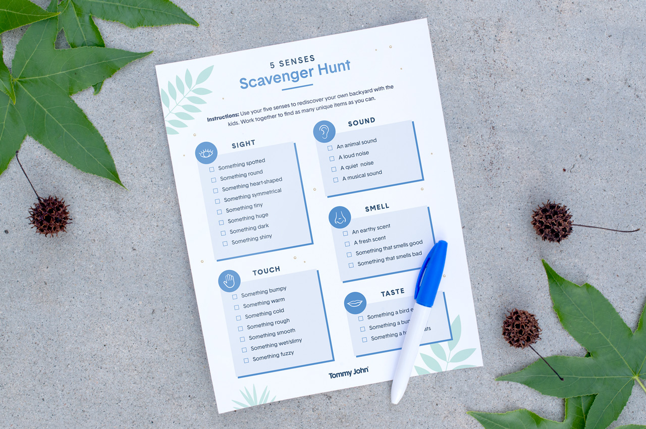 backyard-camping-printable-scavenger-hunt-mockup